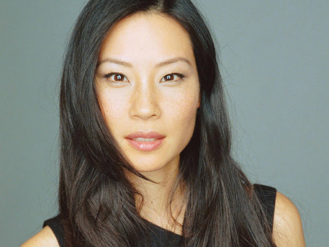 Lucy Liu Hairstyles-hitomikomori.blogspot.com-natural-asian-hairstyle-with-long-straight-hair-for-women-from-lucy-liu_3