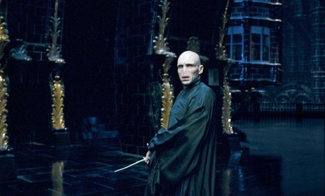 RALPH-FIENNES-as-Lord-Voldemort-in-Warner-Bros.-Pictures-fantasy-Harry-Potter-and-the-Order-of-the-Phoenix.-Photo-courtesy-of-Warner-Bros.-Pictures.-TM-2007-Warner-Bros.-Entertainment-Inc.-All-rights-reserved-37-650x392