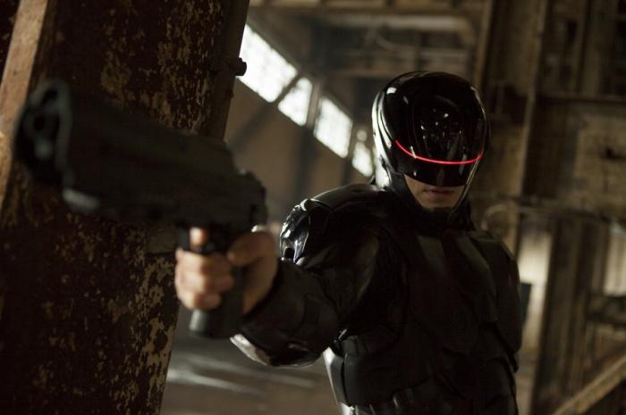 Joel Kinnaman in Robocop 2014