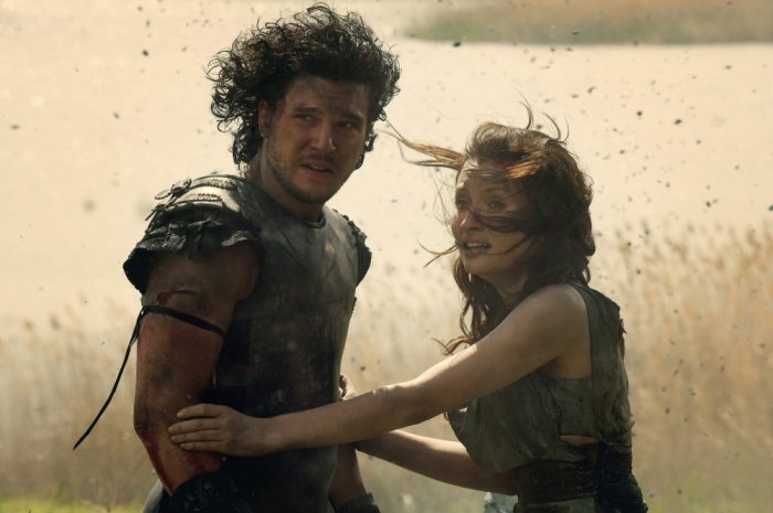 Kit Harington and Emily Browning in Pompeii