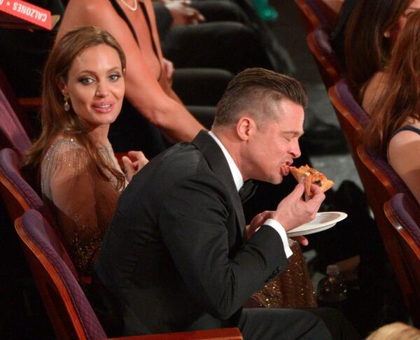 Oscars 2014 Brad Pitt Pizza