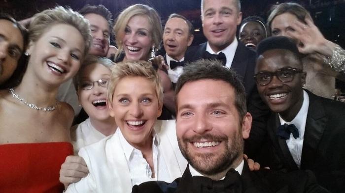 Oscar Selfie Breaks Records