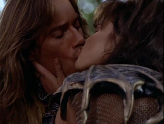 Xena and Hercules Kiss