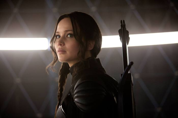 katniss in mockingjay part 1