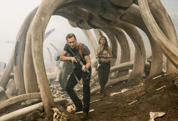Tom Hiddleston and Brie Larson in Kong: Skull Island